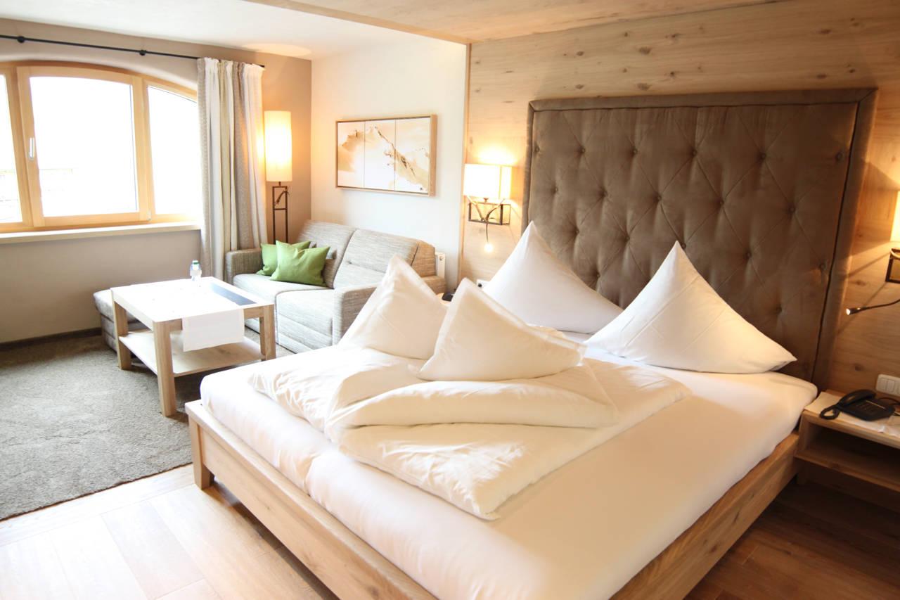 romantische schlafzimmer kopfteil gepolstert bettwsche wei ... - Romantische Schlafzimmer Bilder